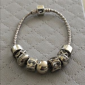 Gorgeous Chamilia silver and crystal bracelet